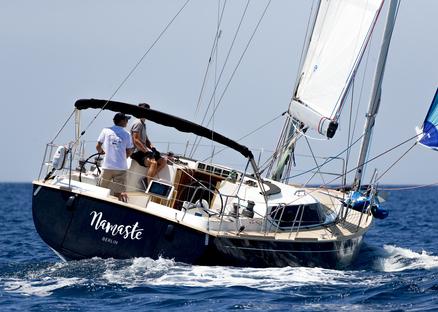 Contest 42CS | Exquisite Dutch semi-custom yachting