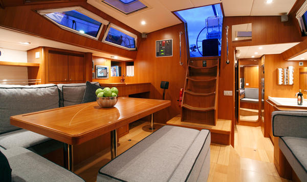 Facts figures contest yachts for Design d interieur gatineau